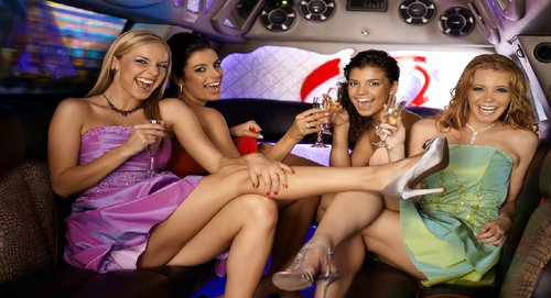 limousine ride amsterdam party ride drinks club