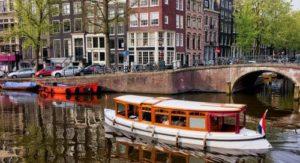 bachelorette hen do cruise drinks amsterdam